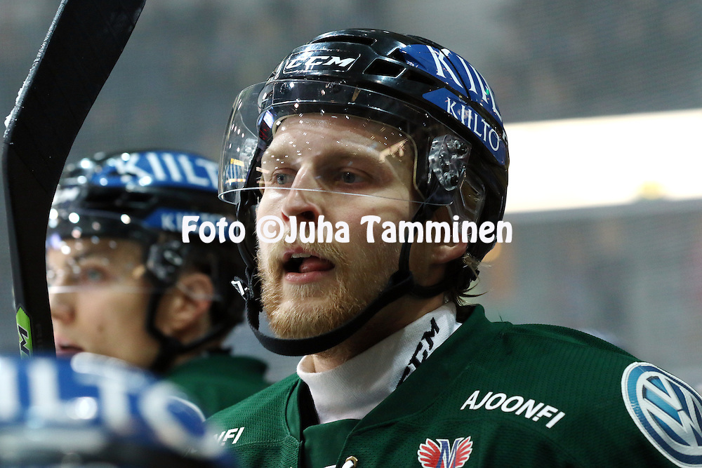 18.12.2015, Hakamets&auml;n halli, Tampere.<br /> J&auml;&auml;kiekon SM-liiga 2015-16. Ilves - HIFK.<br /> Matias Sointu- Ilves