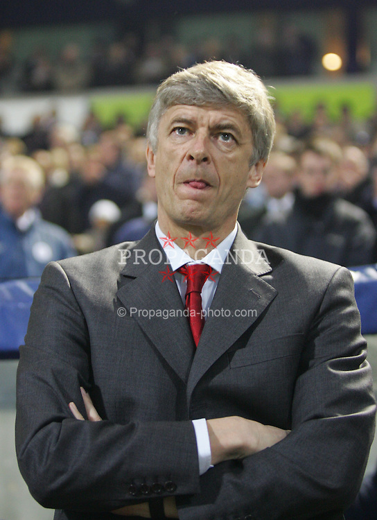 BOLTON, ENGLAND - SATURDAY JANUARY 15th 2005: Arsenal's manager Arsene Wenger during the Premiership match against Bolton at the Reebok Stadium. (Pic by David Rawcliffe/Propaganda)