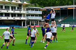 Bath forwards in action at a lineout, Bath Rugby were allowed to start Stage Two of the Premiership Rugby return to play protocol - Mandatory byline: Patrick Khachfe/JMP - 07966 386802 - 06/08/2020 - RUGBY UNION - The Recreation Ground - Bath, England - Bath Rugby training