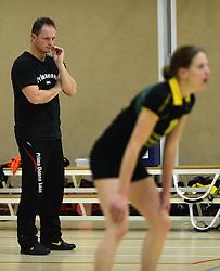 01-12-2012 VOLLEYBAL: PRIMA DONNA KAAS HUIZEN -  PRISMAWORX STRAVOC: HUIZEN<br /> Huizen wint met 3-2 van Stravoc / Trainer Coach Elroy Bezemer<br /> ©2012-FotoHoogendoorn.nl