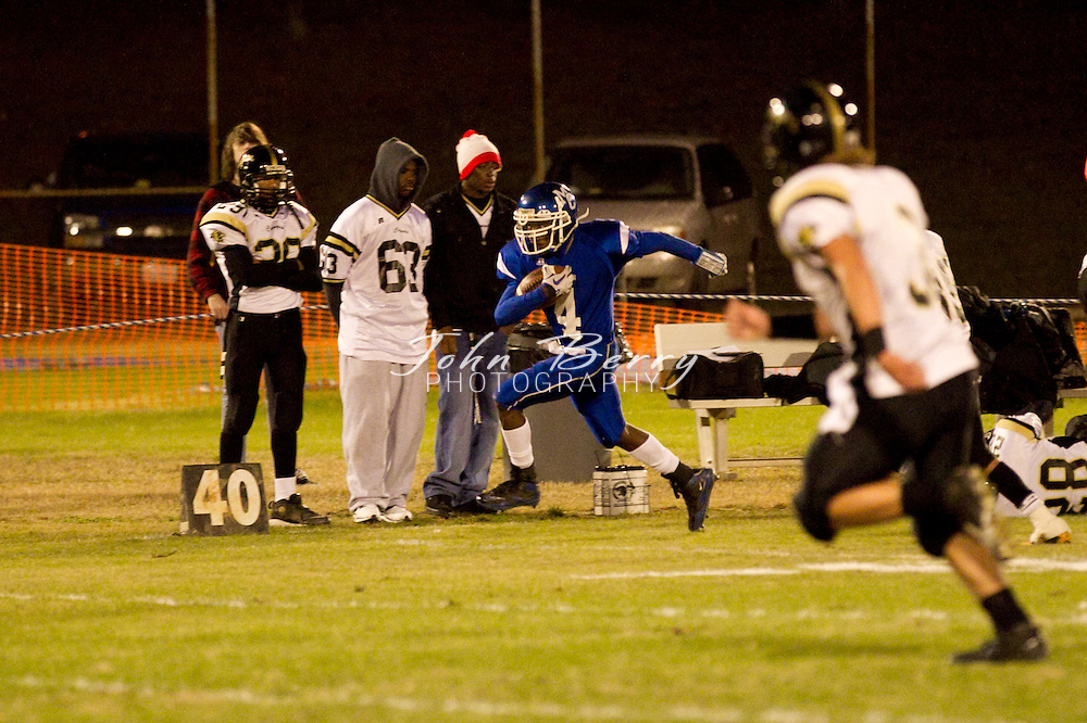 November/5/10:  MCHS Varsity Football vs Manassas Park Cougars, Madison wins 37-28.