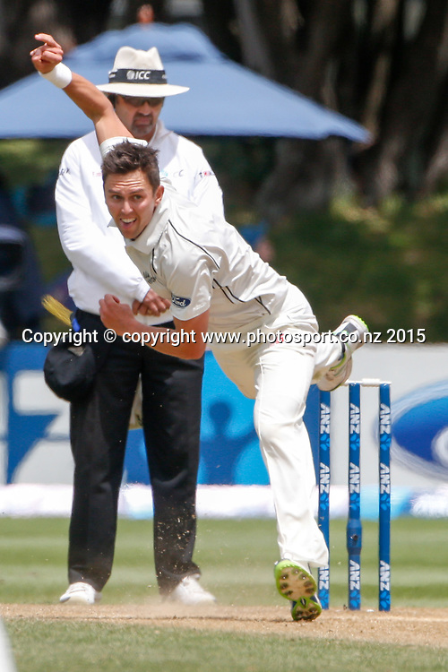 Trent Boult bowls. Fifth day, second test, ANZ Cricket Test series, New Zealand Black Caps v Sri Lanka, 07 January 2015, Basin Reserve, Wellington, New Zealand. Photo: John Cowpland / www.photosport.co.nz