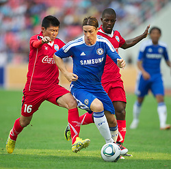 24.07.2011, Rajamangala National Stadium, Bangkok, THA, Chelsea FC Asia Tour, Thailand All Star XI vs Chelsea FC, im Bild // Chelsea's Fernando Torres in action against a Thailand Alls Star XI at the Rajamangala National Stadium in Bangkok on the club's preseason Asia Tour, EXPA Pictures © 2011, PhotoCredit: EXPA/ Propaganda/ D. Rawcliffe *** ATTENTION *** UK OUT!