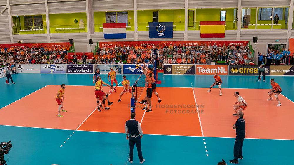09-06-2019 NED: Golden League Netherlands - Spain, Koog aan de Zaan<br /> Fourth match poule B - The Dutch beat Spain again in five sets in the European Golden League / Dutch support, Orange, Centercourt Sporthall De Koog