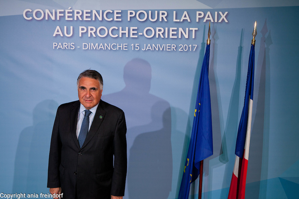 Middle East Peace Conference, Paris, France. International summit. 7O countries have participated in the summit. Chile, Edgardo Riveros, Vice-minister of Foreign Affairs