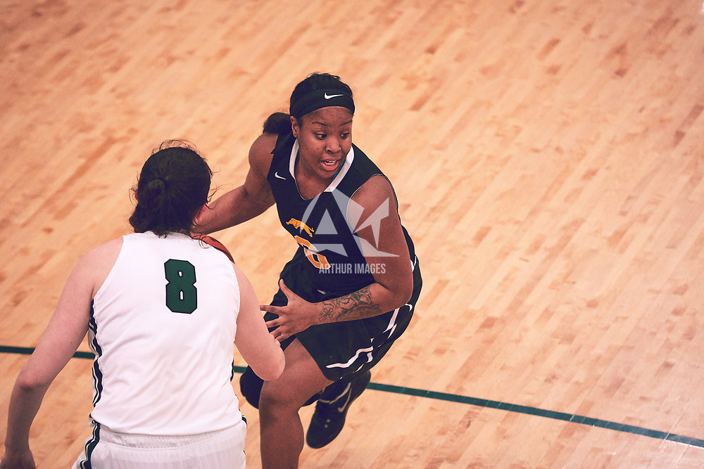 3rd year guard, Kyia Giles (6) of the Regina Cougars during the Women's Basketball Home Game on Sat Feb 02 at Centre for Kinesiology,Health and Sport. Credit: Arthur Ward/Arthur Images