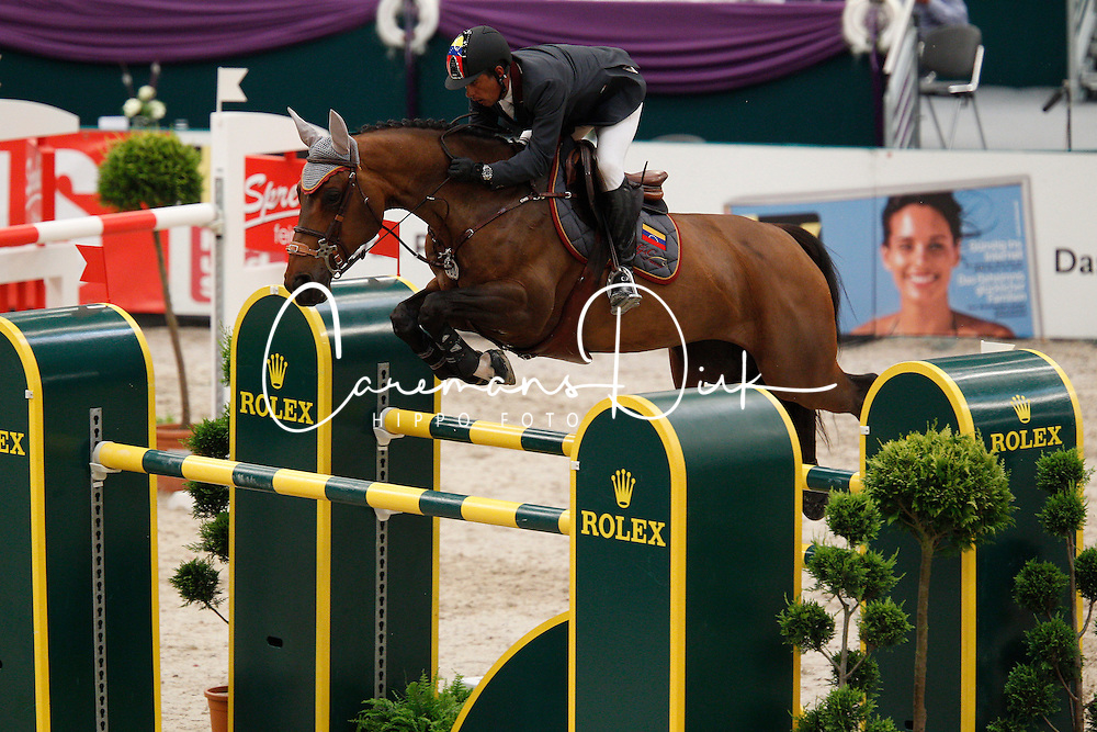 Barrios Pablo (VEN) - Quick Star<br /> Rolex FEI World Cup Final Jumping 2011<br /> © Hippo Foto - Leanjo de Koster