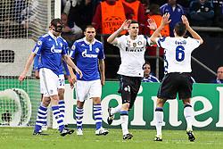 13.04.2011, Veltins Arena, Gelsenkirchen, GER, UEFA CL Viertelfinale, Rueckspiel, FC Schalke 04 (GER) vs Inter Mailand (ITA), im Bild: Torjubel / Jubel nach dem 1:1 durch Thiago Motta (Mailand #8) (L) mit Lucio (Mailand #6) (R) - Christoph Metzelder (Schalke #21) und Edu (Schalke #9) entaeuscht / entäuscht   EXPA Pictures © 2011, PhotoCredit: EXPA/ nph/  Mueller       ****** out of GER / SWE / CRO  / BEL ******