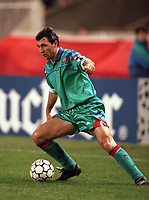 Fotball<br /> Barcelona Historie<br /> Foto: ColorsportDigitalsport<br /> NORWAY ONLY<br /> <br /> GHEORGHE HAGI (BARCELONA). PARIS ST. GERMAIN V FC BARCELONA, UEFA CHAMPIONS LEAGUE, PARC DES PRINCES, PARIS, 15/3/95.