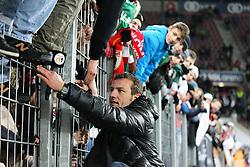 14.12.2013, SGL Arena, Augsburg, GER, 1. FBL, FC Augsburg vs Eintracht Braunschweig, 16. Runde, im Bild Chef-Trainer Markus Weinzierl (FC Augsburg) bei den Fans // during the German Bundesliga 16th round match between FC Augsburg and Eintracht Braunschweig at the SGL Arena in Augsburg, Germany on 2013/12/14. EXPA Pictures © 2013, PhotoCredit: EXPA/ Eibner-Pressefoto/ Kolbert<br /> <br /> *****ATTENTION - OUT of GER*****