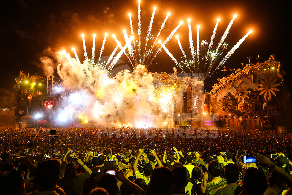ITU, SP, 21.04.2016 - TOMORROWLAND-BRASIL - David Gueta durante o segundo dia de Tomorrowland Brasil no Parque Maeda em Itu interior do Estado nesta quinta-feira, 21. O evento acontece até dia 23 de abril.(Foto: Vanessa Carvalho/Brazil Photo Press)