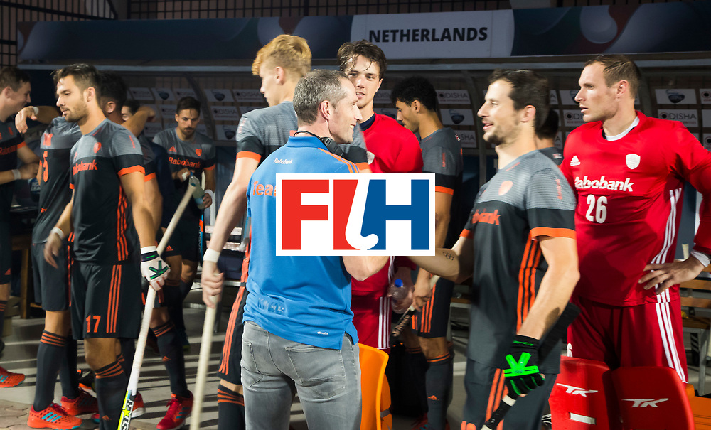 BHUBANESWAR - Sander Baart (Ned) met Ronald Brouwer voor de Hockey World League Final wedstrijd Belgie-Nederland (3-0).   COPYRIGHT KOEN SUYK