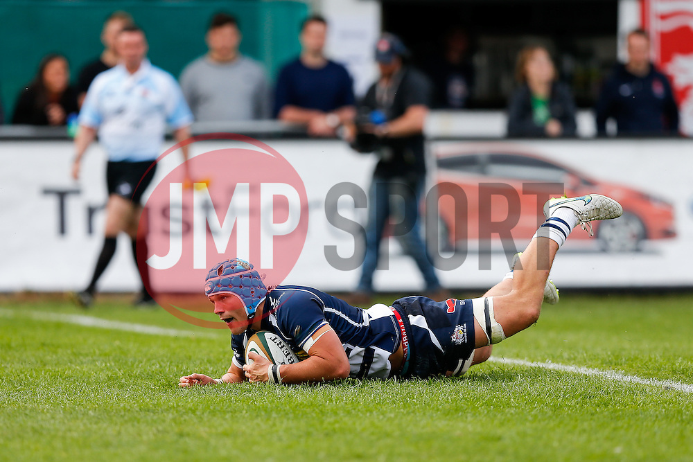 Bristol Rugby Flanker Olly Robinson scores a try but it is disallowed by the TMO - Mandatory byline: Rogan Thomson/JMP - 07966 386802 - 13/09/2015 - RUGBY UNION - Old Deer Park - Richmond, London, England - London Welsh v Bristol Rugby - Greene King IPA Championship.