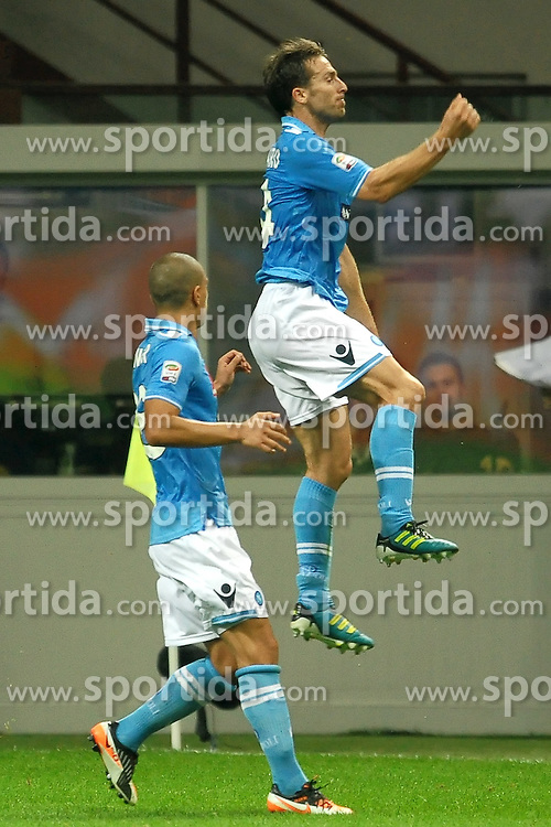 01.10.2011, Giuseppe Meazza Stadion, Mailand, ITA, Serie A, Inter Mailand vs SSC Neapel, im Bild Esultanza di Hugo CAMPAGNARO dopo il gol.Goal celebration. // during Serie A football match between Inter Milan and Napoli at Giuseppe Meazza Stadium in Milan, Italy on 1/10/2011. EXPA Pictures © 2011, PhotoCredit: EXPA/ InsideFoto/ Andrea Staccioli +++++ ATTENTION - FOR AUSTRIA/(AUT), SLOVENIA/(SLO), SERBIA/(SRB), CROATIA/(CRO), SWISS/(SUI) and SWEDEN/(SWE) CLIENT ONLY +++++