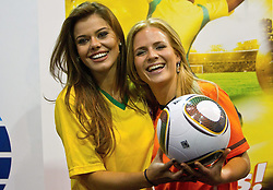 30-06-2010 VOETBAL: FIFA WORLDCUP 2010 MISS WORLD PENALTY SHOOTOUT: JOHANNESBURG<br /> Miss Brazil Luciana Reis  and Miss Netherlands Francis Beukevelb at Miss World contestants from the quarter finals FIFA World Cup 2010 at AIPS glamour event<br /> ©2010-FRH- NPH/ Vid Ponikvar (Netherlands only)