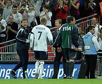 Photo: Richard Lane.<br /> England v Brazil. International Friendly. 01/06/2007. <br /> England's David Beckham shakes hands with manager, Steve McClaren.
