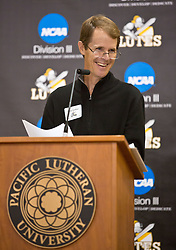 Doug Gardner '85, speaks at the PLU Sports Hall of Fame banquet on Friday, Oct. 3, 2014. (PLU Photo/John Froschauer)