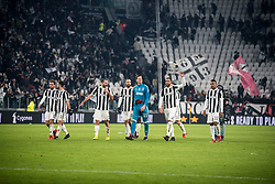 December 23, 2017 - Turin, Piemonte/Torino, Italy - Juventus FC celebrates after the football match Serie A: Juventus FC vs AS Roma. Juventus won 1-0 at Allianz Stadium in Turin, Italy 23th december 2017. (Credit Image: © Alberto Gandolfo/Pacific Press via ZUMA Wire)