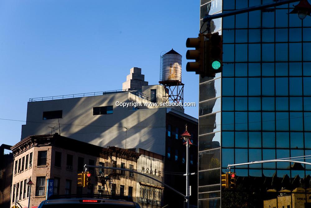 New York , Chinatown mirror effect , canal street and Chinatown,  downtown Manhattan,  art deco buildings  New York  New York - United states  /  reflet sur les building de Chinatown, buildings art deco  Manhattan  New York - Etats-unis