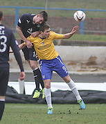 Dundee's Declan Gallagher beats Cowdenbeath's Greg Stewart in the air - Cowdenbeath v Dundee, SPFL Championship at Central Park<br /> <br />  - &copy; David Young - www.davidyoungphoto.co.uk - email: davidyoungphoto@gmail.com
