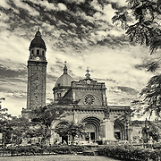 Plaza de Roma with the bell tower and dome of the  Manila Cathedral. After renaming it Plaza McKinley after U.S. president in 1901, it was renamed again in 1961 Plaza de Roma to honor the sacred college of Cardinals in  Rome after the elevation of 1st Philippine Cardinal Rufino J. Santos.