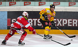 12.09.2010, Albert Schultz Halle, Wien, AUT, EBEL, Vienna Capitals vs KAC, im Bild Zweikampf zwischen Shawn William Bates, (EC KAC, #9) und Kevin Kraxner, (EC Vienna Capitals, #7) ,  EXPA Pictures © 2010, PhotoCredit: EXPA/ T. Haumer / SPORTIDA PHOTO AGENCY