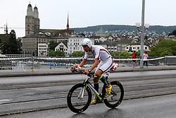 27.07.2014, Zürich, SUI, Ironman Zuerich 2014, im Bild Bertrand Billard (FRA) // during the Zurich 2014 Ironman, Switzerland on 2014/07/27. EXPA Pictures © 2014, PhotoCredit: EXPA/ Freshfocus/ Claude Diderich<br /> <br /> *****ATTENTION - for AUT, SLO, CRO, SRB, BIH, MAZ only*****