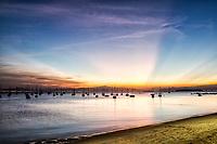 Por do sol na Praia de Santo Antonio de Lisboa. Florianópolis, Santa Catarina, Brasil. / Santo Antonio de Lisboa Beach at dusk. Florianopolis, Santa Catarina, Brazil.