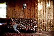 Août 2011. Abkhazie. Village de Reka. Pays indépendant non reconnu par la communauté internationale. Famille de fermiers abkhazes.