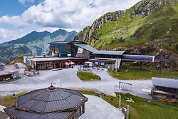 THEMENBILD - Langwied Seilbahnstationen am Kitzsteinhorn, aufgenommen am 16. Juli 2019 in Kaprun, Österreich // Langwied Cableway Stations at the Kitzsteinhorn, Kaprun, Austria on 2019/07/16. EXPA Pictures © 2019, PhotoCredit: EXPA/ JFK
