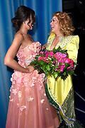 Galapremiere musical MAMMA MIA! in het Beatrix Theater, Utrecht. Mamma Mia! is een musical die is gebaseerd op de liedjes van de popgroep ABBA<br /> <br /> Op de foto:  Antje Monteiro met haar dochter Romy Monteiro