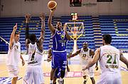 DESCRIZIONE : Porto San Giorgio PreCampionato Lega A 2015-16 Vanoli Cremona Banvit Basketbol GIOCATORE : Elston Turner<br /> CATEGORIA : Tiro Penetrazione Mani Composizione<br /> SQUADRA : Vanoli Cremona<br /> EVENTO :  PreCampionato Lega A 2015-16<br /> GARA : Vanoli Cremona Banvit Basketbol <br /> DATA : 04/09/2015<br /> SPORT : Pallacanestro <br /> AUTORE : Agenzia Ciamillo-Castoria/A.Giberti<br /> Galleria :  Campionato Lega A 2015-16  <br /> Fotonotizia :  Vanoli Cremona Banvit Basketbol <br /> Predefinita :
