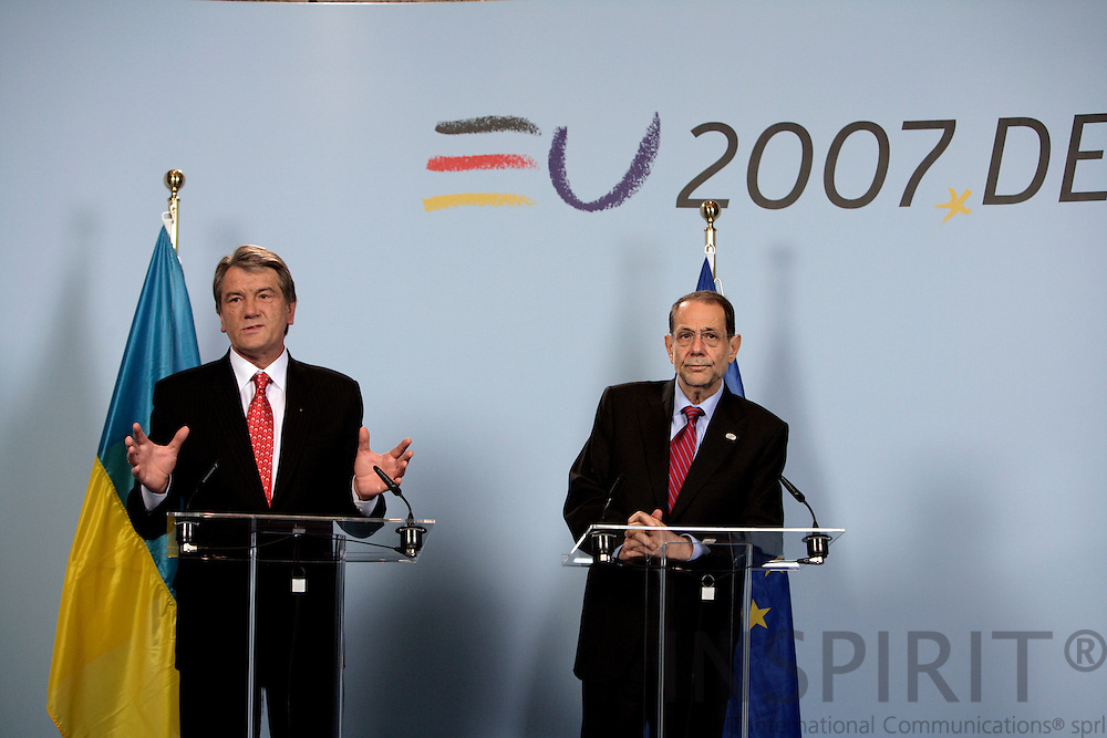 BRUSSELS - BELGIUM - 21 JUNE 2007 -- Ukrainian President Viktor YUSHCHENKO (L) meeting with Javier SOLANA (R), EU High Representative for the CFSP. Photo: Erik Luntang
