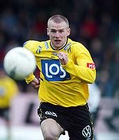 Fotball, 21. april 2002. Tippeligaen, Sogndal v  Start. Fosshaugane. Richardas Beniusis, Start.