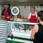 Kaasboer Jan Visser stopt ermee op de markt in Muiderberg