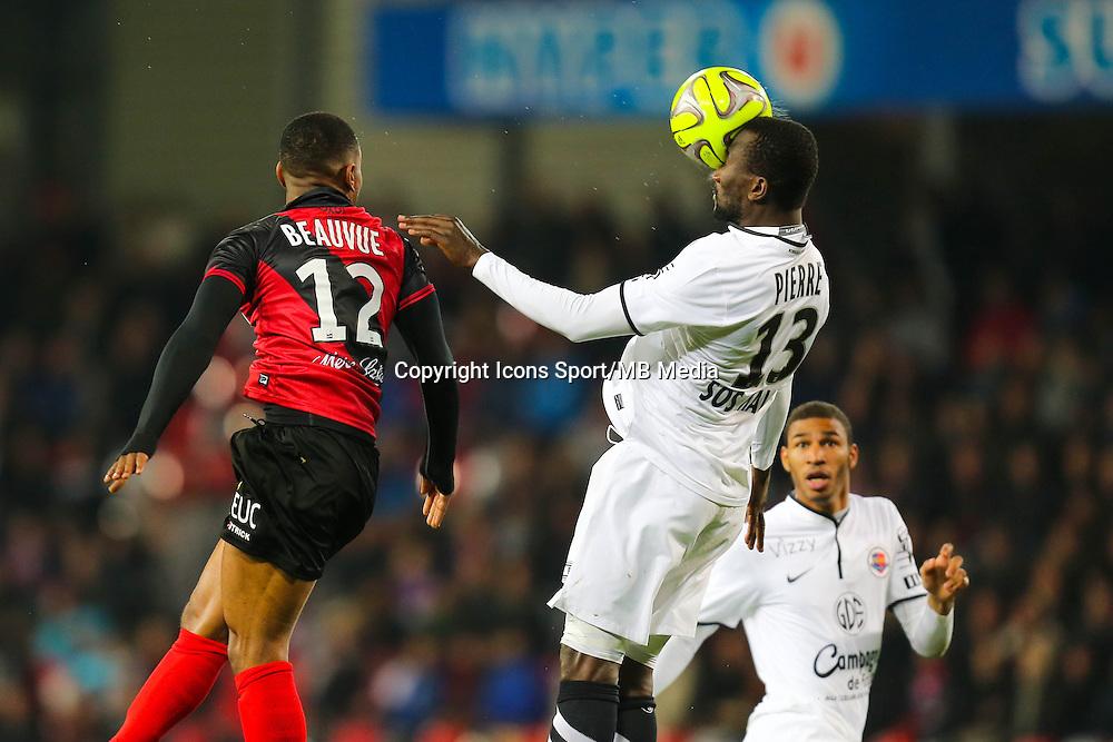 Claudio BEAUVUE / Jean-Jacques PIERRE  - 03.12.2014 - Guingamp / Caen - 16eme journee de Ligue 1 <br /> Photo : Vincent Michel / Icon Sport
