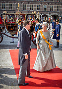Prinsjesdag 2017, de dag waar de Koning in de Staten-Generaal van het Koninkrijk der Nederlanden in verenigde vergadering bijeen de troonrede uit.<br /> <br /> Prinsjesdag 2017, Opening of the parliamentary year<br /> <br /> op de foto:  Prins Constantijn en Prinses Laurentien / Prince Constantijn and Princess Laurentien