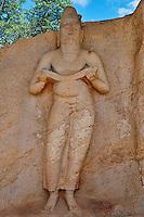 Sri Lanka, province du Centre-Nord, cité historique de Polonnaruwa, classée au Patrimoine Mondial de l'UNESCO, la statue du roi Parakrama Bahu, temple Potgul Vihara // Sri Lanka, Ceylon, North Central Province, ancient city of Polonnaruwa, UNESCO World Heritage Site, statue of Parakrama Bahu, Potgul Vihara