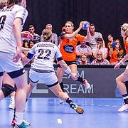 NLD/Den Bosch/20160604 - EK Kwalificatiewedstrijd handbal Nederland - Oostenrijk, nr.9 Sanne van Olphen