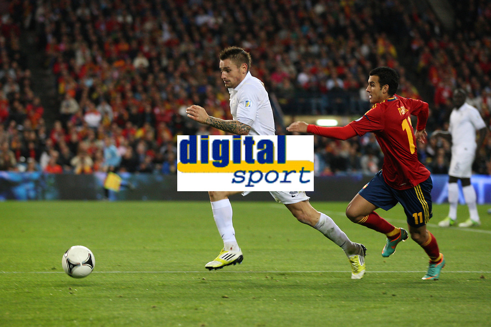 FOOTBALL - FIFA WORLD CUP 2014 - QUALIFYING - SPAIN v FRANCE - 16/10/2012 - PHOTO MANUEL BLONDEAU / AOP PRESS / DPPI -  MATHIEU DEBUCHY AND PEDRO