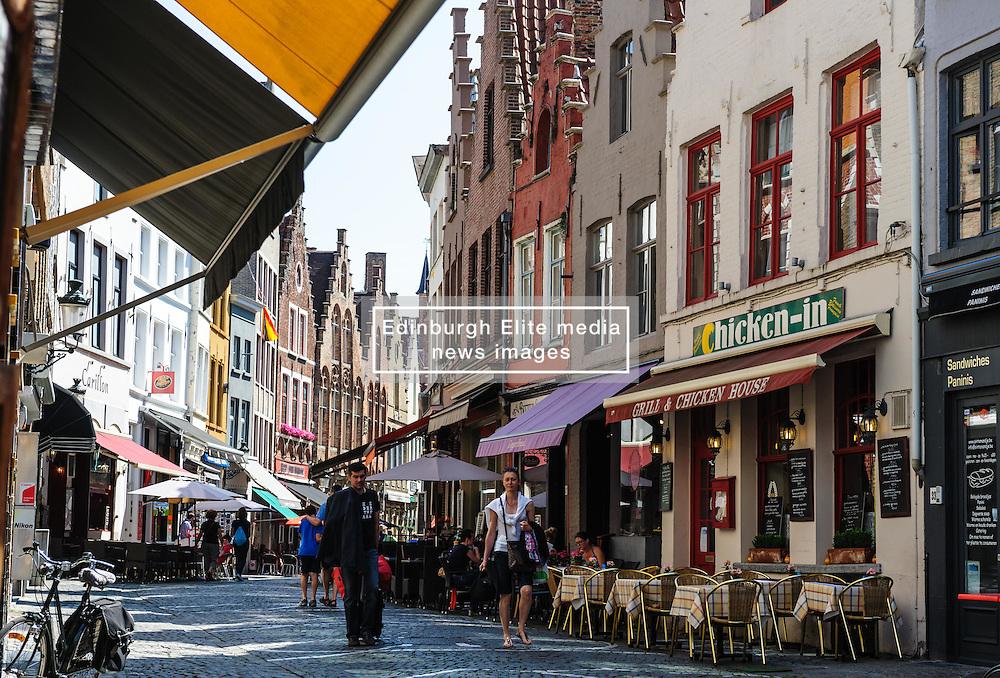 Cafés line the  Sint-Amandsstraat,  Brugge, Belgium<br /> <br /> (c) Andrew Wilson | Edinburgh Elite media