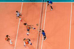 09-07-2017 NED: World Grand Prix Netherlands - Japan, Apeldoorn<br /> Match five of first weekend of group C during the World Grand Prix. Netherlands lost in five sets from Japan / Anne Buijs #11, Myrthe Schoot #9, Femke Stoltenborg #2, Robin de Kruijf #5