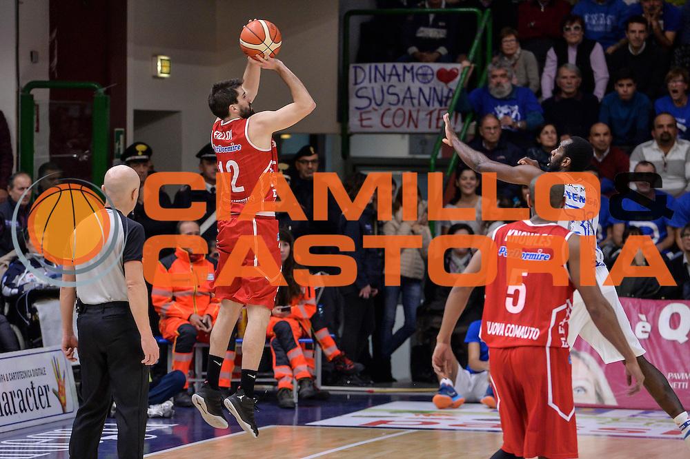 DESCRIZIONE : Sassari LegaBasket Serie A 2015-2016 Dinamo Banco di Sardegna Sassari - Giorgio Tesi Group Pistoia<br /> GIOCATORE : Ariel Filloy<br /> CATEGORIA : Tiro Tre Punti Three Point Controcampo Ritardo<br /> SQUADRA : Giorgio Tesi Group Pistoia<br /> EVENTO : LegaBasket Serie A 2015-2016<br /> GARA : Dinamo Banco di Sardegna Sassari - Giorgio Tesi Group Pistoia<br /> DATA : 27/12/2015<br /> SPORT : Pallacanestro<br /> AUTORE : Agenzia Ciamillo-Castoria/L.Canu