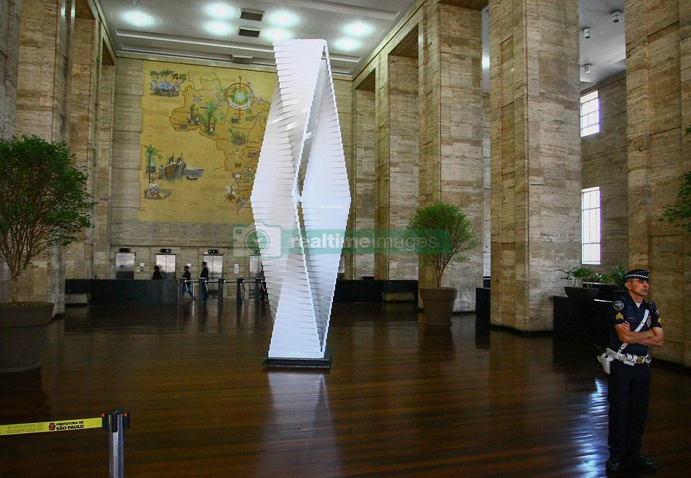 September 6, 2017 - A obra de arte de Ascânio MMM, já pode ser vista no hall da prefeitura de São Paulo. A cerimônia de entrega acontece na tarde desta quarta-feira  (Credit Image: © Aloisio Mauricio/Fotoarena via ZUMA Press)