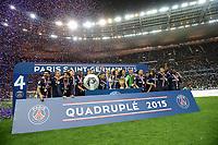 joie des joueurs Parisiens  avec les 4 trophees gagnes durant la saison<br /> coupe de france<br /> coupe de la ligue<br /> trophee des champions<br /> trophee du vainqueur du championnat de L1