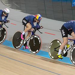 28-02-2018: Wielrennen: WK Baan: Apeldoorn<br /> De vrouwen van Team USA rijden de snelste tijd op het WK baanwielrennen onderdeel ploegenachtervolging