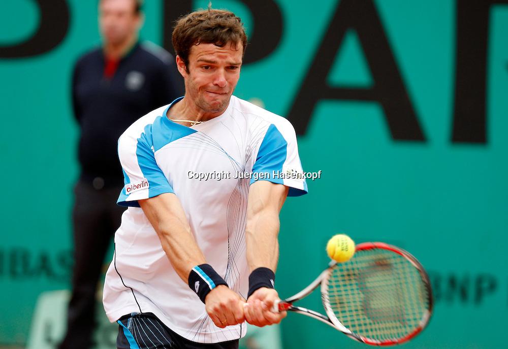 French Open 2010, Roland Garros, Paris, Frankreich,Sport, Tennis, ITF Grand Slam Tournament, ..Teimuraz Gabashvili (RUS) ..Foto: Juergen Hasenkopf..