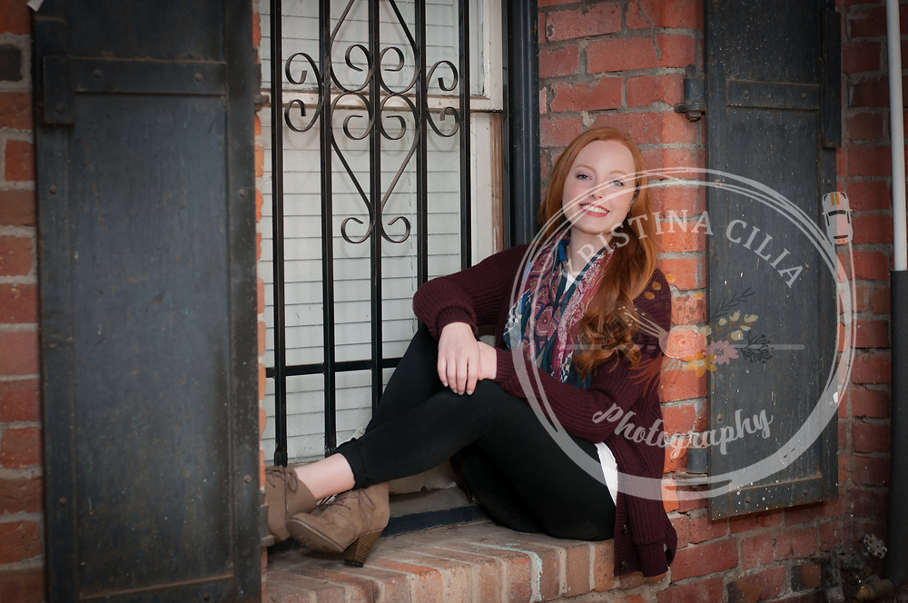 Vacaville Girls Senior Portraits by Kristina Cilia Photography