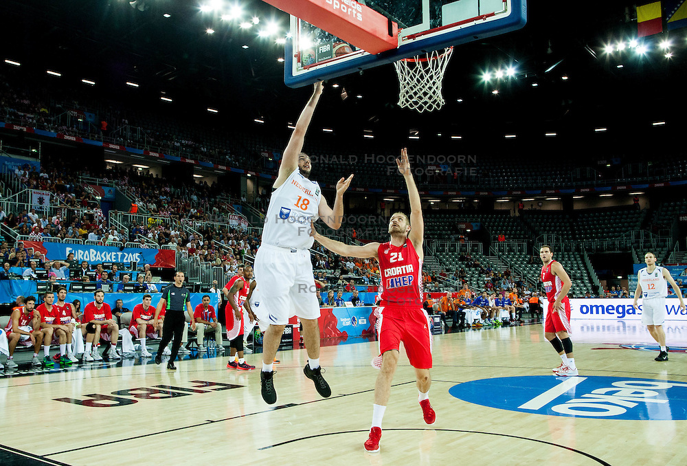 09-09-2015 CRO: FIBA Europe Eurobasket 2015 Nederland - Kroatie, Zagreb<br /> Nicolas de Jong of Netherlands vs Luka Zoric of Croatia during basketball match between Netherlands and Croatia. Photo by Vid Ponikvar / RHF