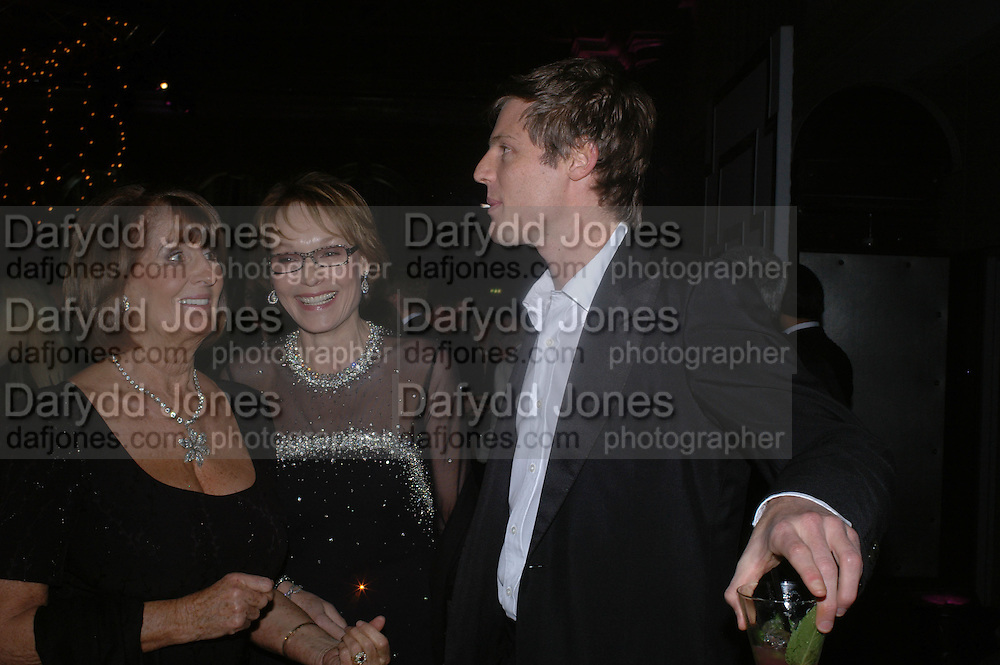 Lady Annabel Goldsmith, Lady Victoria Getty and  Zac Goldsmith . The Black and White Winter Ball. Old Billingsgate. London. 8 February 2006. -DO NOT ARCHIVE-© Copyright Photograph by Dafydd Jones 66 Stockwell Park Rd. London SW9 0DA Tel 020 7733 0108 www.dafjones.com